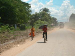 viaggiare gratis in laos