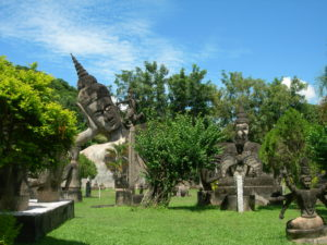 laos parco del buddha