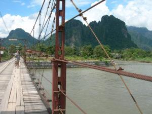 viaggi in laos vang vieng